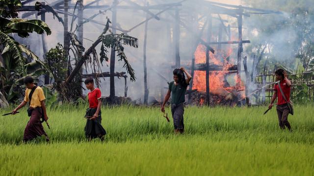 Ruim 270.000 Rohingya naar Bangladesh gevlucht