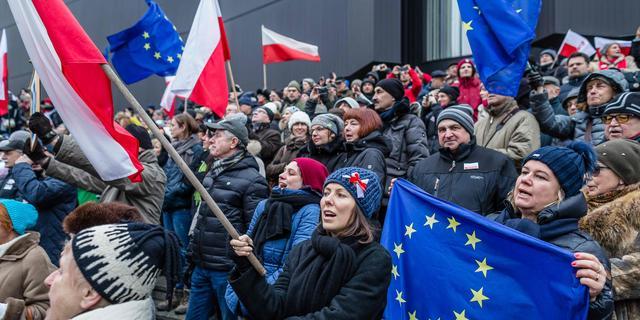 Achtergrond: 'EU heeft maar weinig middelen om Polen echt aan te pakken'