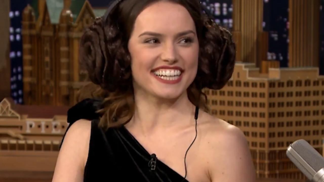 Star Wars-actrice Daisy Ridley speelt lipleesspel bij Jimmy Fallon