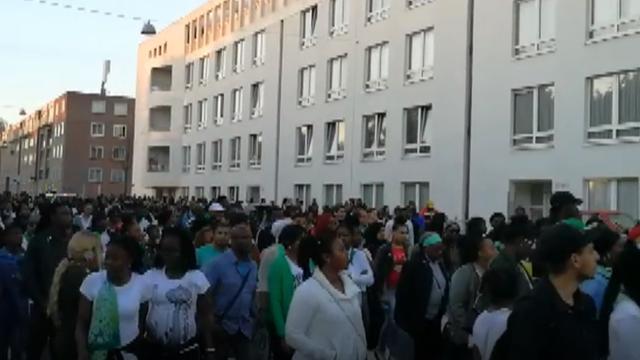 Honderden mensen bij stille tocht voor doodgeschoten Amsterdammer