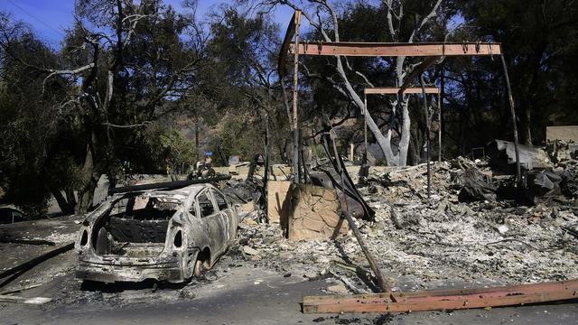 Dodental bosbranden Californië loopt op naar 76, 1.276 vermissingen