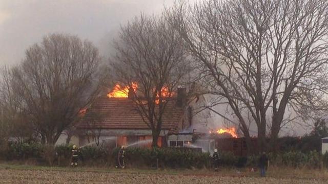 Uitslaande brand in boerderij Veendam