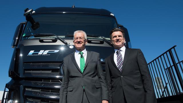 Mercedes-Benz test zelfrijdende vrachtwagen op Duitse Autobahn