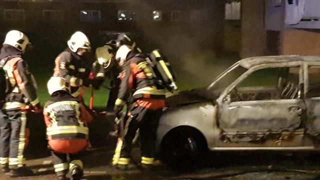 Auto compleet uitgebrand aan Meerhof