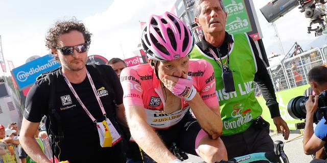 Kruijswijk verliest leiding in Giro d'Italia door valpartij