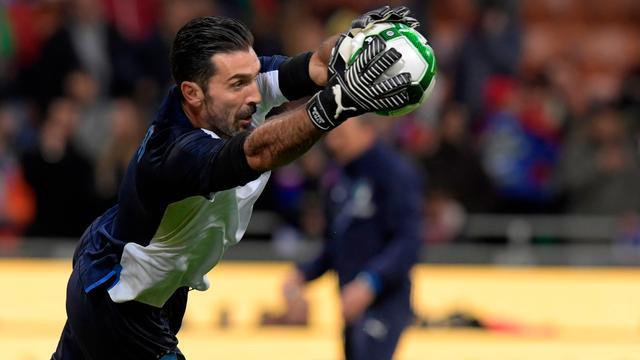 'Gestopte' Buffon speelt waarschijnlijk nog twee interlands voor Italië