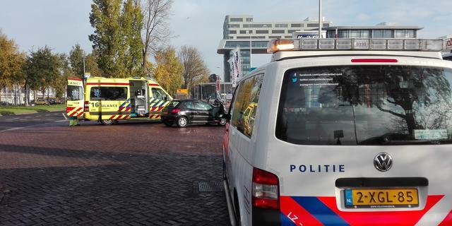 Fietser gewond na aanrijding op Lammenschansweg