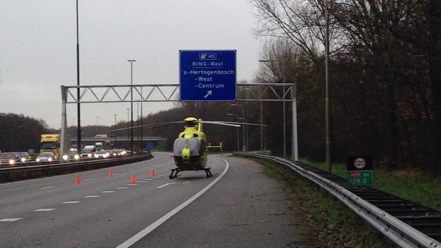 A15 richting Nijmegen korte tijd dicht na ongeluk