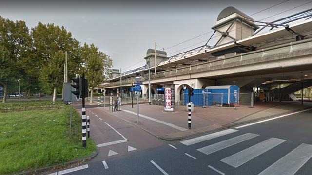 Trein korte tijd stilgezet bij Amsterdam Lelylaan vanwege verdachte situatie
