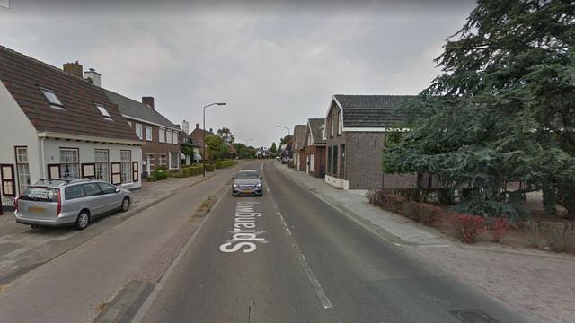 Automobilist mishandeld na verkeersconflict in Hoeven