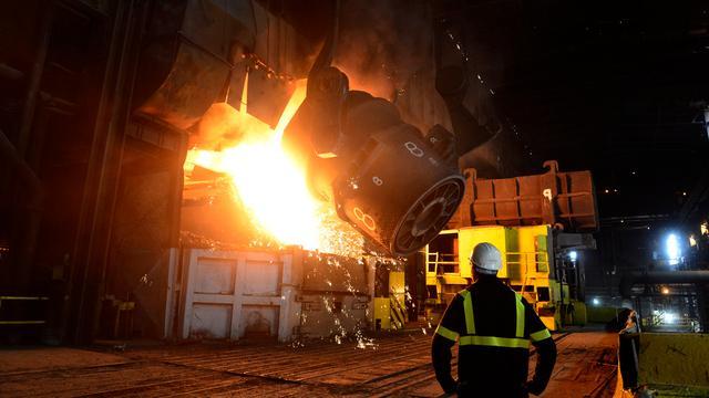 IJzerertskoelers Tata Steel stoten twee keer meer stof uit dan toegestaan