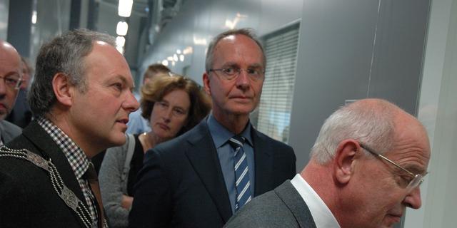 Minister Kamp opent centrum voor biotech op Leiden Bio Science Park