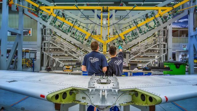 Moederbedrijf Fokker accepteert vijandige bod Melrose
