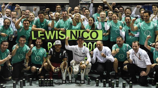 Rosberg wil na 'fantastisch weekend' nog niet aan wereldtitel denken