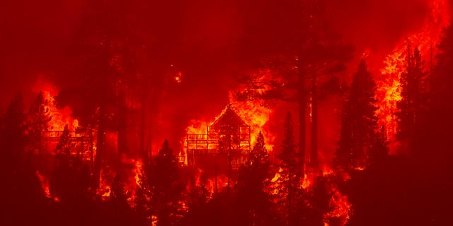 Biden roept door bosbranden getroffen staat Californië uit tot rampgebied
