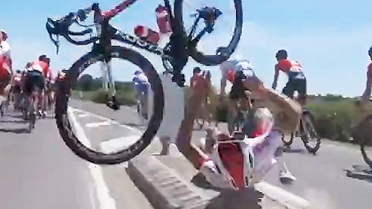 Périchon valt hard tijdens Tour de France