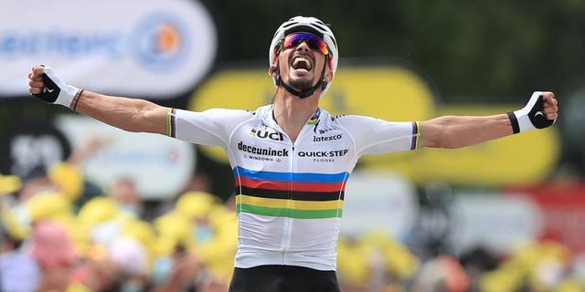 Alaphilippe wint chaotische openingsrit Tour, Van der Poel komt tekort
