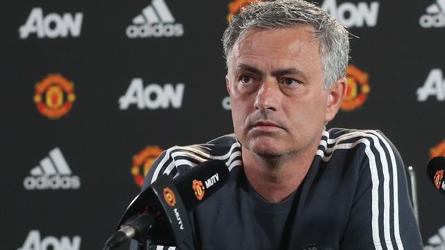 United-manager Mourinho heeft vertrouwen in herstel Ferguson