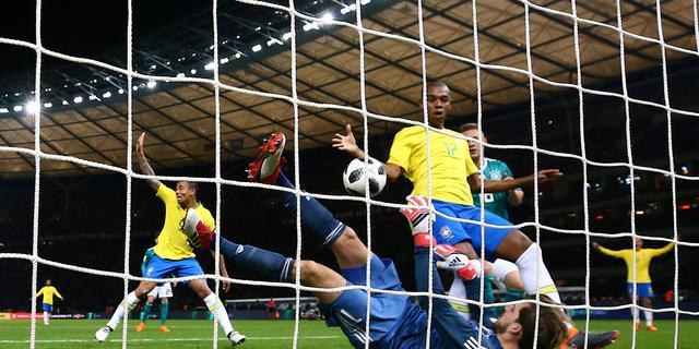 Brazilië neemt revanche en maakt einde aan ongeslagen reeks Duitsland