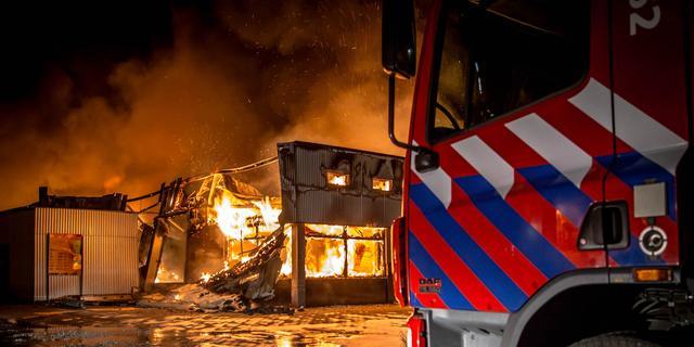 Fatala brand Zuidoost na vertrek brandweer opnieuw opgelaaid
