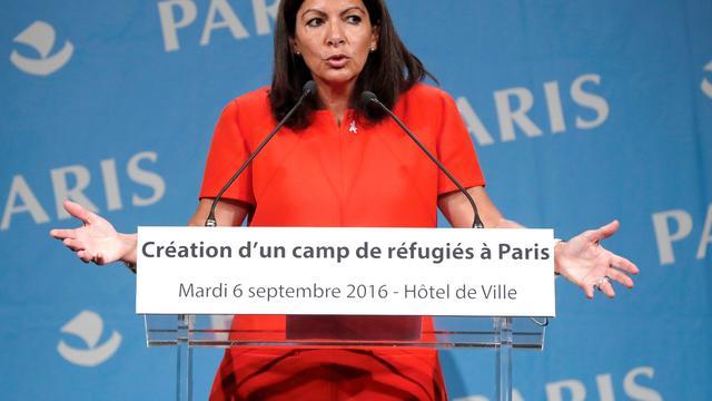 Parijs bouwt kampen voor migranten in Parijs