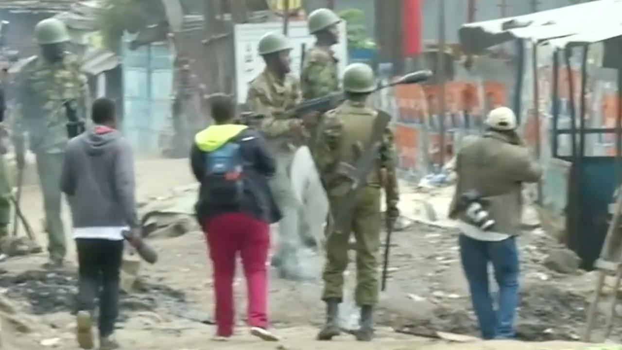 Politie Kenia gebruikt traangas tijdens protest tegen president Kenyatta