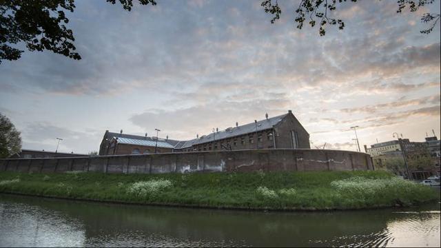 Stadsstrand keert deze zomer terug in voormalige gevangenis Wolvenplein