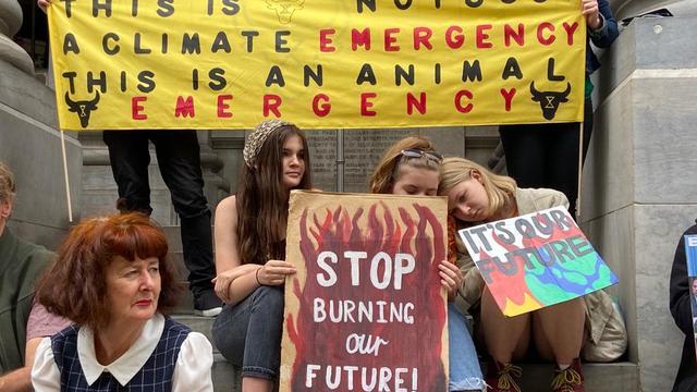 'Woedende Australiërs protesteren in grote steden'
