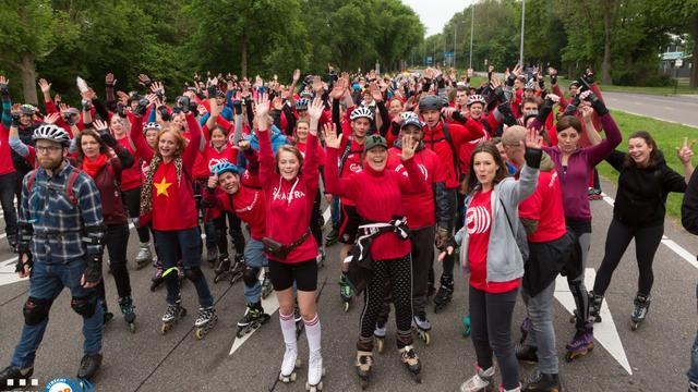 Scooter komt in botsing met vrijwilligers Utrecht Skate Parade
