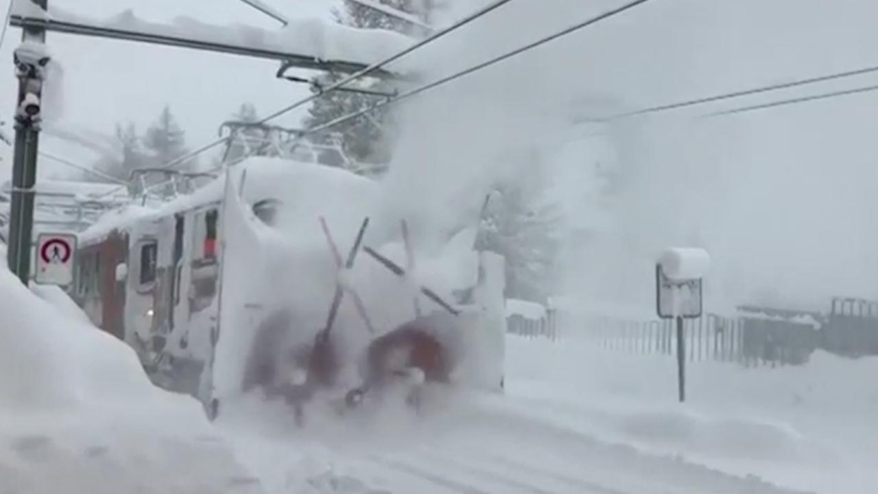 Zwitserse stad Zermatt bedolven onder sneeuw
