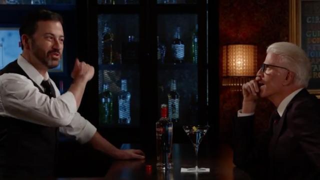 Jimmy Kimmel stelt Ted Danson 'drie belachelijke vragen'