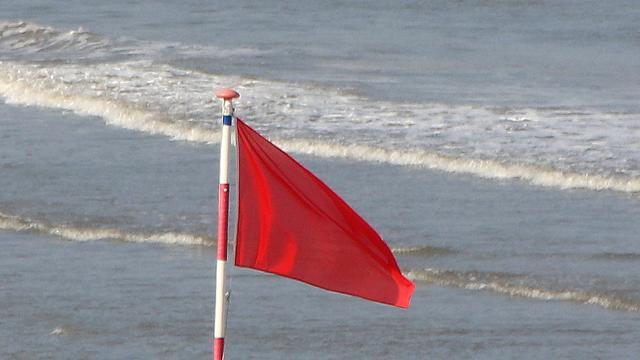 Burgemeester Zandvoort: bezoekers negeren te vaak instructies op strand