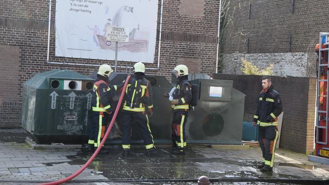 Container vat twee keer vlam in Evertsenstraat