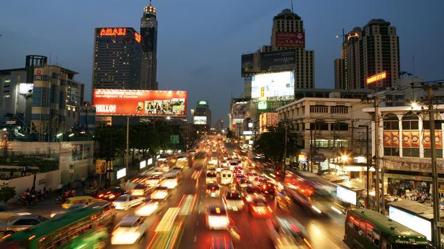 Uber begint motorentaxi in Bangkok