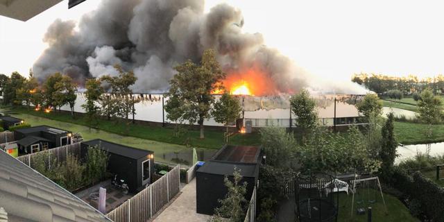 Grote brand in loods Zuid-Hollands Molenaarsgraaf onder controle