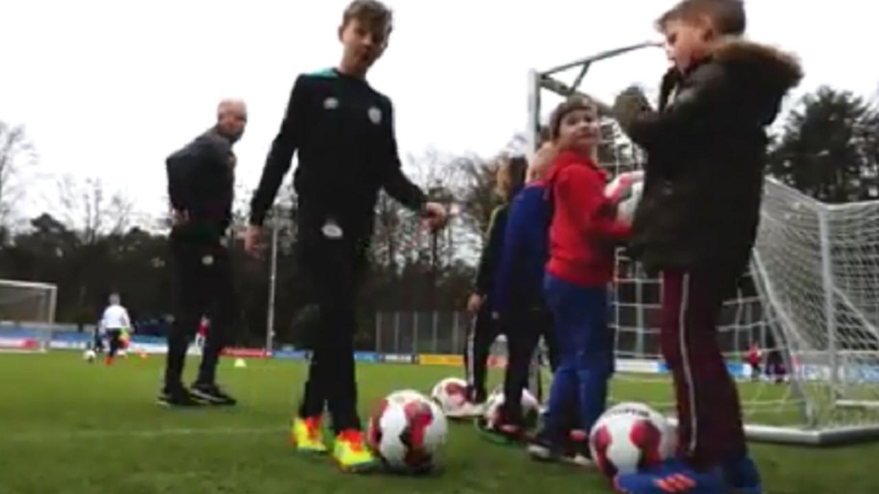 PSV vangt kinderen op tijdens nationale onderwijsstaking
