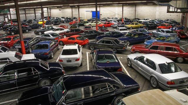 Autoverzamelaar doet afstand van 140 bijzondere voertuigen