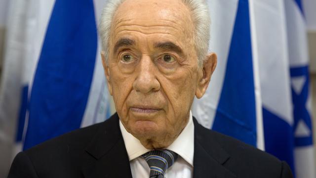 Israëlische oud-premier Peres met spoed naar ziekenhuis om beroerte