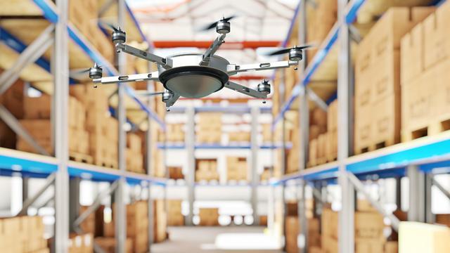 Kleine drones kunnen voorraad in magazijnen inventariseren