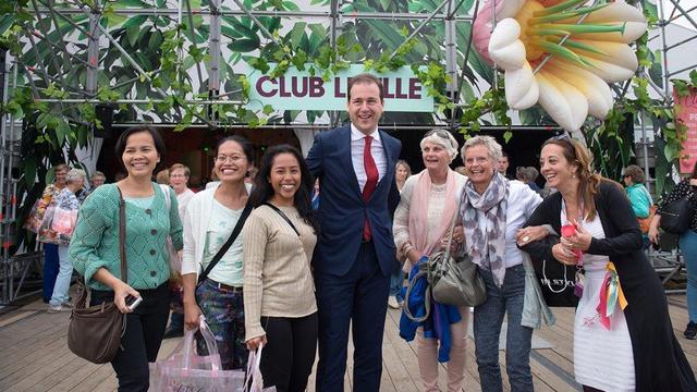 Kritische vragen op Libelle Zomerweek, maar Asscher vindt 'het een feestje'