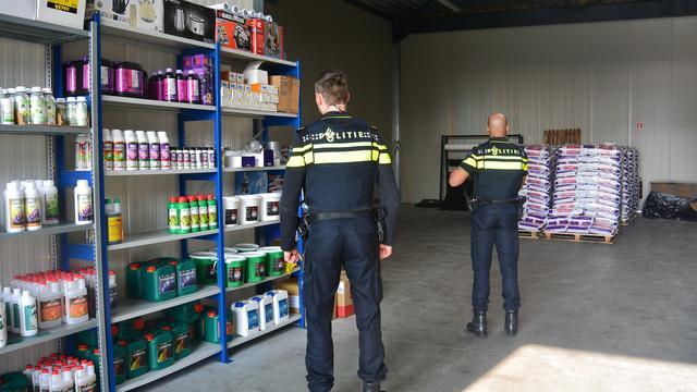 Politie houdt veertien mensen aan in groot drugsonderzoek