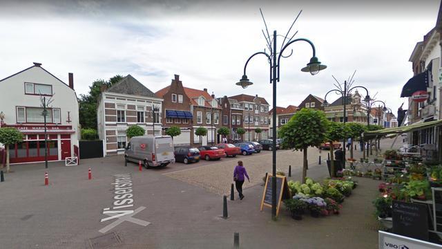 Politie zoekt getuigen van mishandeling op de Markt in Steenbergen