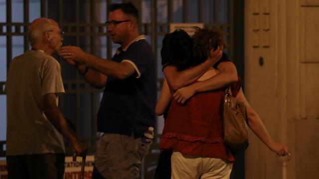Politiek reageert geschokt en strijdbaar na aanslag Nice