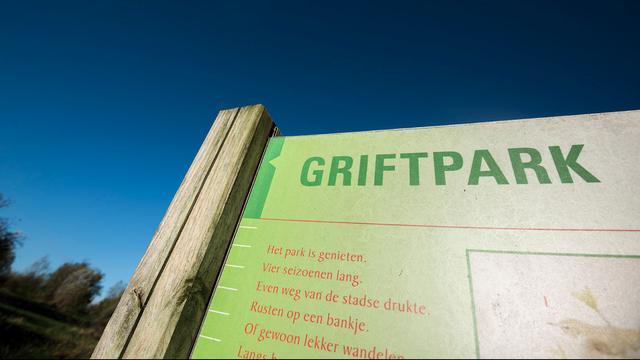 Proef met ondergrondse containers in Griftpark om afvalbergen tegen te gaan