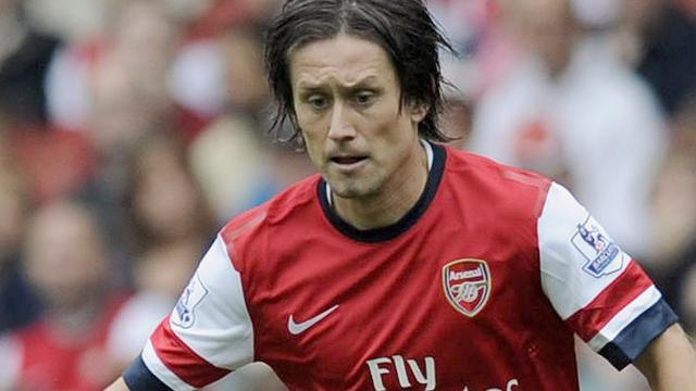 Arsenal-speler Rosicky ruim drie maanden uitgeschakeld