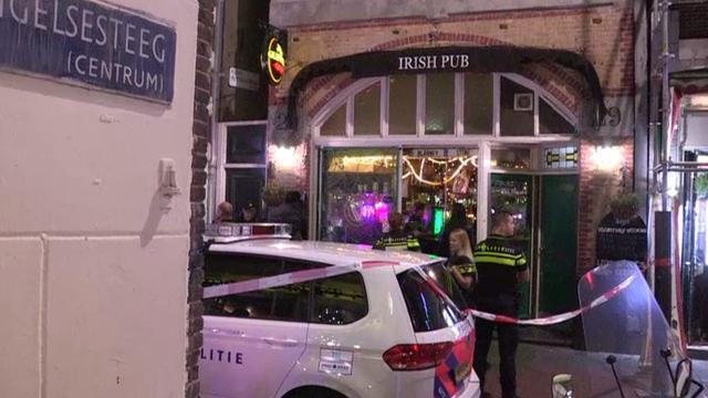 Verdachte steekincident Irish Pub op de Nieuwendijk meldt zich bij politie