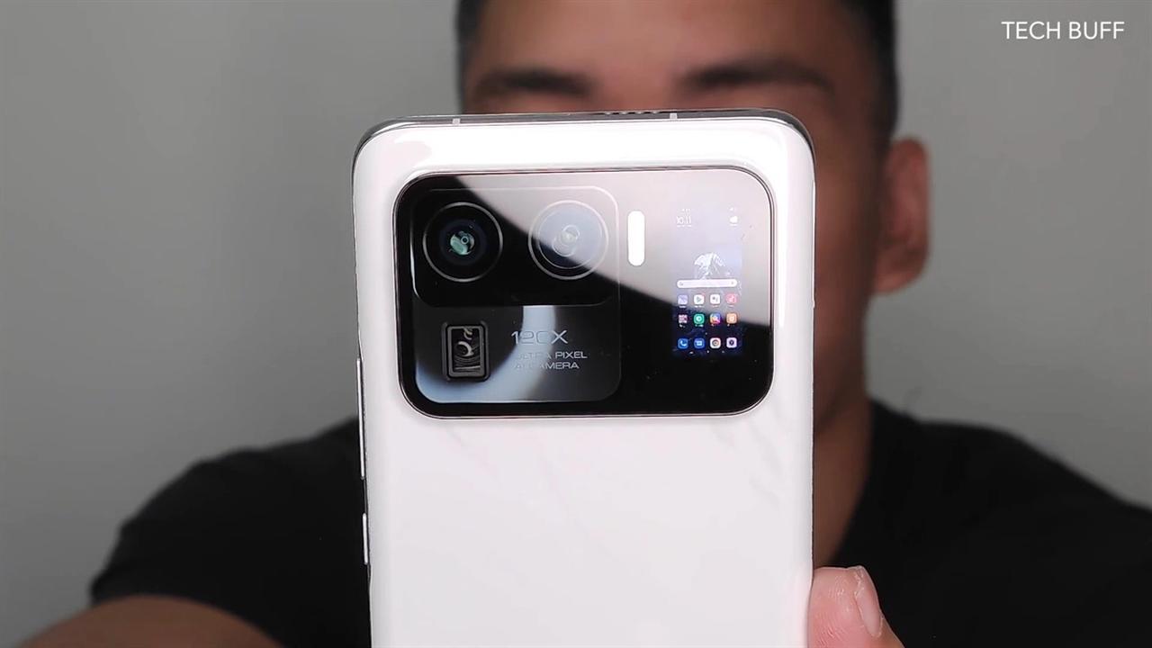 Uitgelekte beelden tonen Xiaomi-telefoon met scherm in camera-eiland - NU.nl