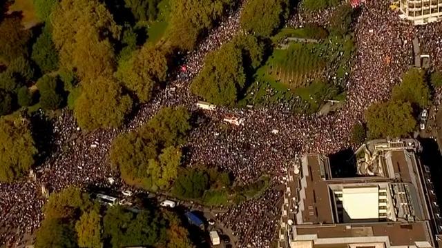 Tienduizenden demonstreren tegen Brexit in Londen