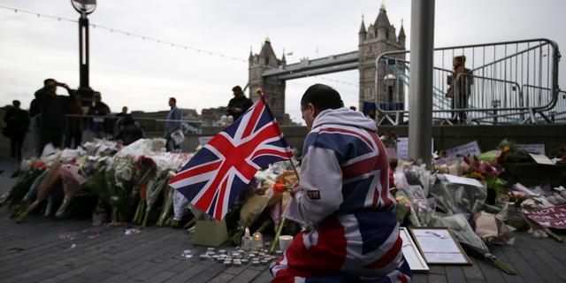 Britse politie achterhaalt herkomst messen van aanslag Londen