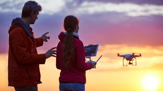 Vliegen met drones in Nederland: waar mag het en wat zijn de regels?
